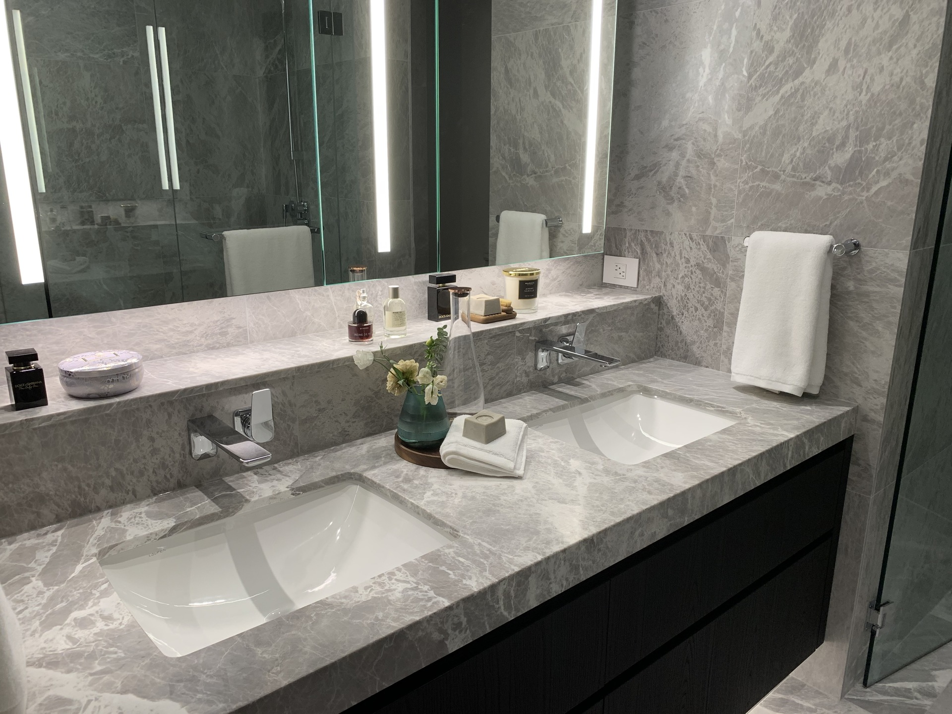 Tesoro ensuite double sinks with marble slab countertop at TESORO 1551 Quebec - The Creek Building 5 (1551 Quebec, False Creek, Vancouver West)