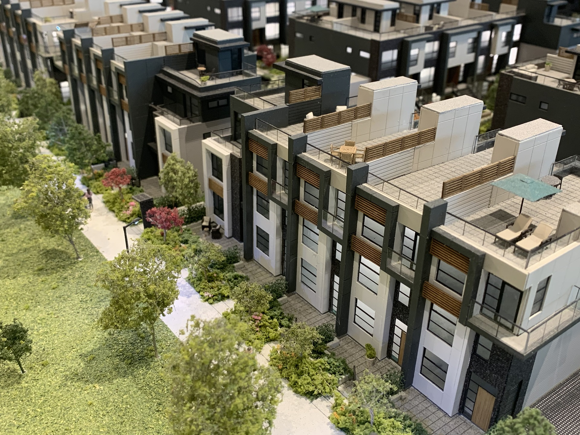 Kin - north facade of Parkside townhomes at The Kin Collection (7470 Buller Avenue, Metrotown, Burnaby South)