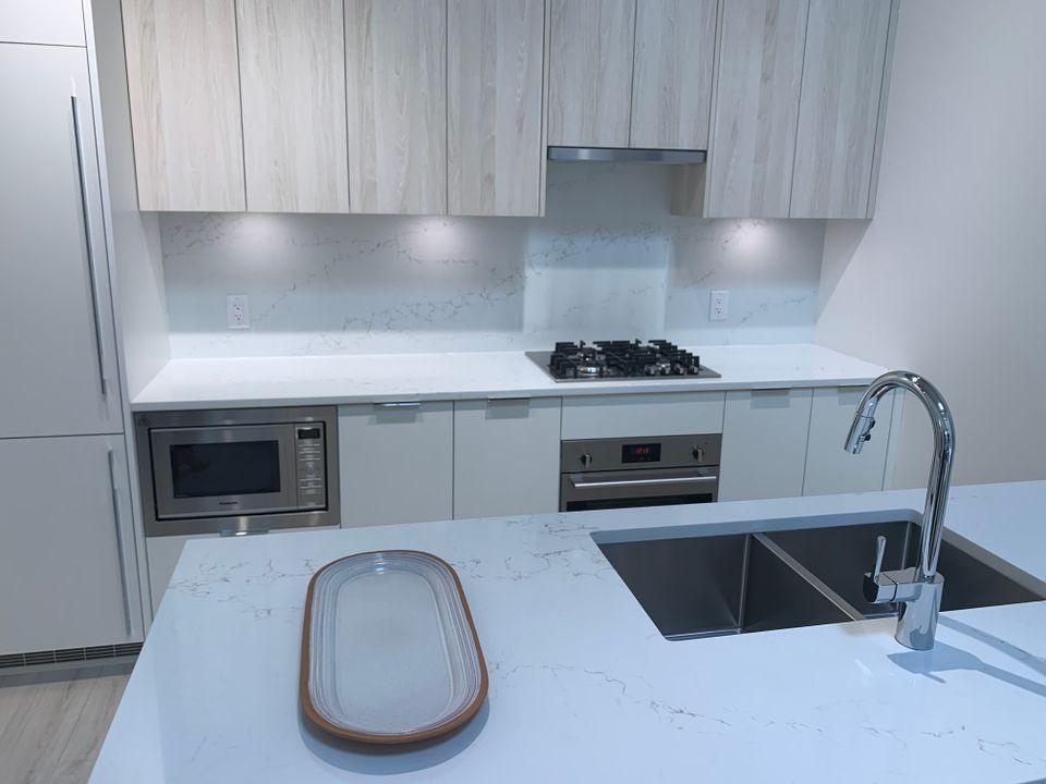 vue kitchen in bianca scheme at Vue (638 Whiting Way, Coquitlam West, Coquitlam)