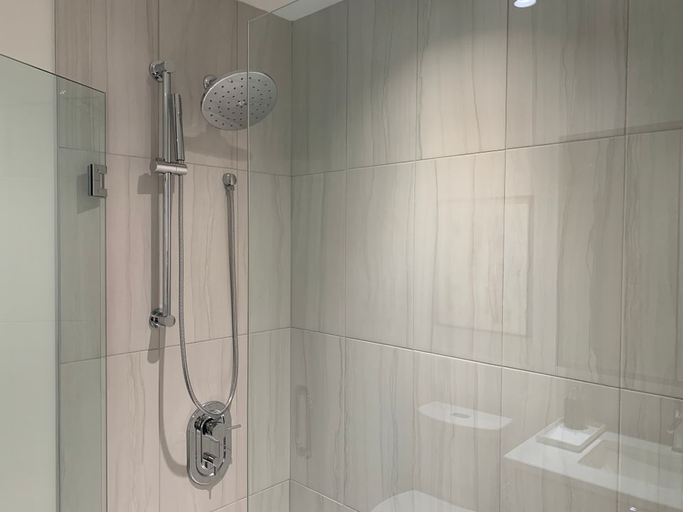 vue walk-in shower at Vue (638 Whiting Way, Coquitlam West, Coquitlam)