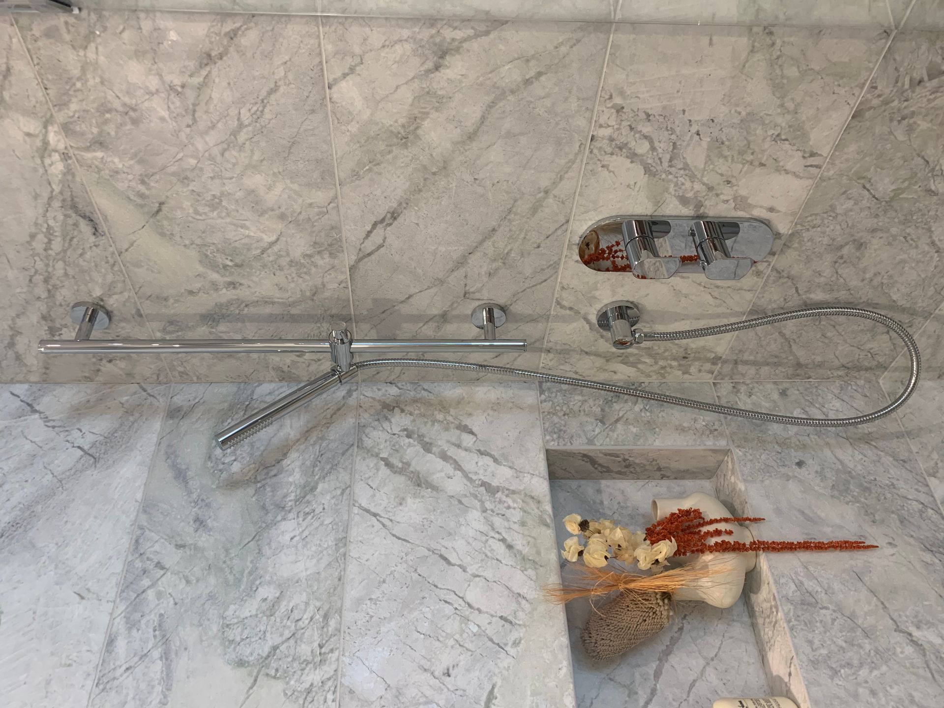 Shower niche at Two Burrard Place (1223 Hornby Street, Downtown VW, Vancouver West)