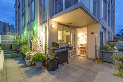 20 at 2405 - 550 Taylor Street, Downtown VW, Vancouver West