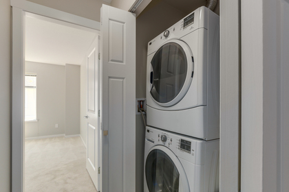 Front load washer dryer at 55 - 8355 164 Street, Fleetwood Tynehead, Surrey