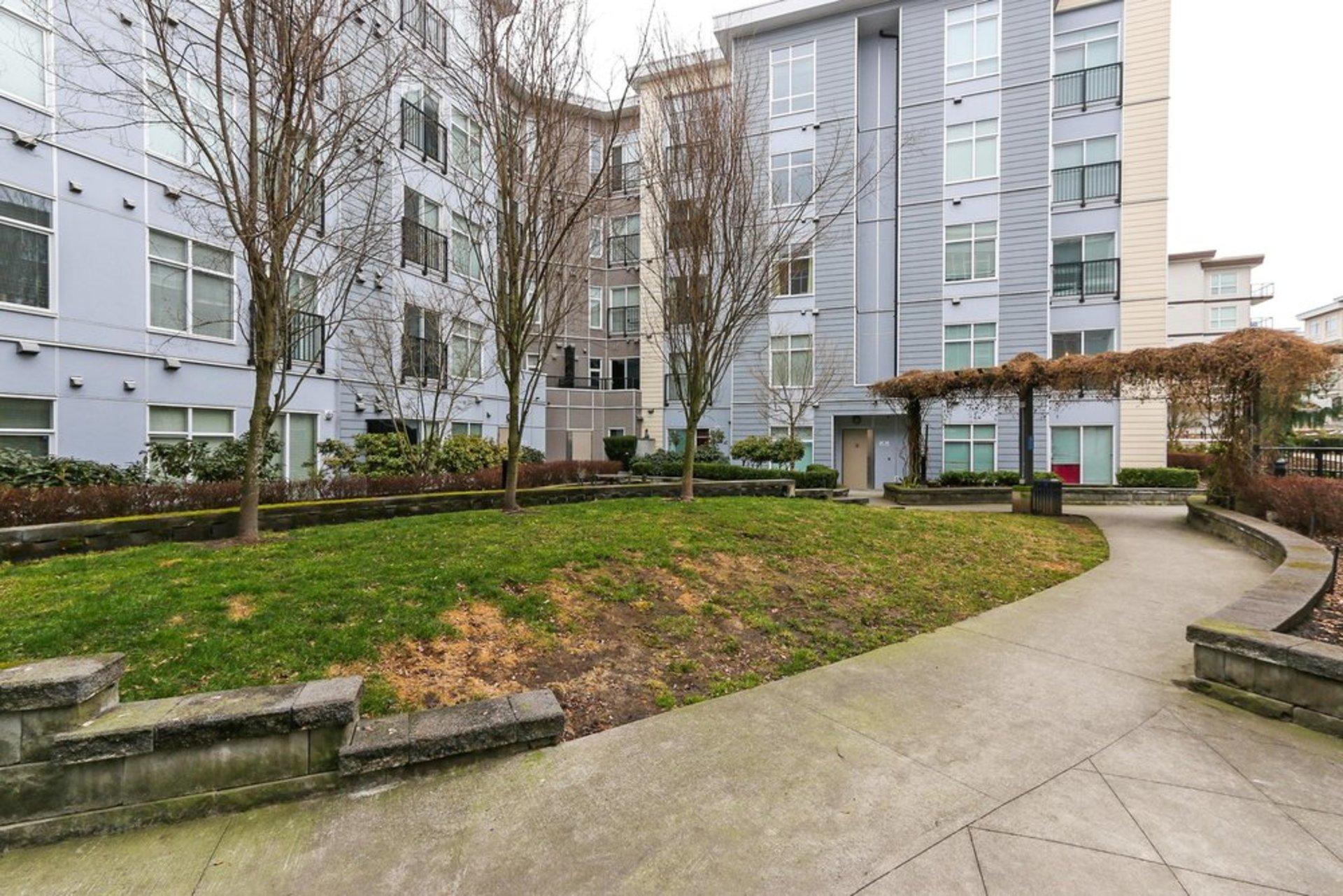 quattro-3-courtyard at 209 - 13728 108 Avenue, Whalley, North Surrey