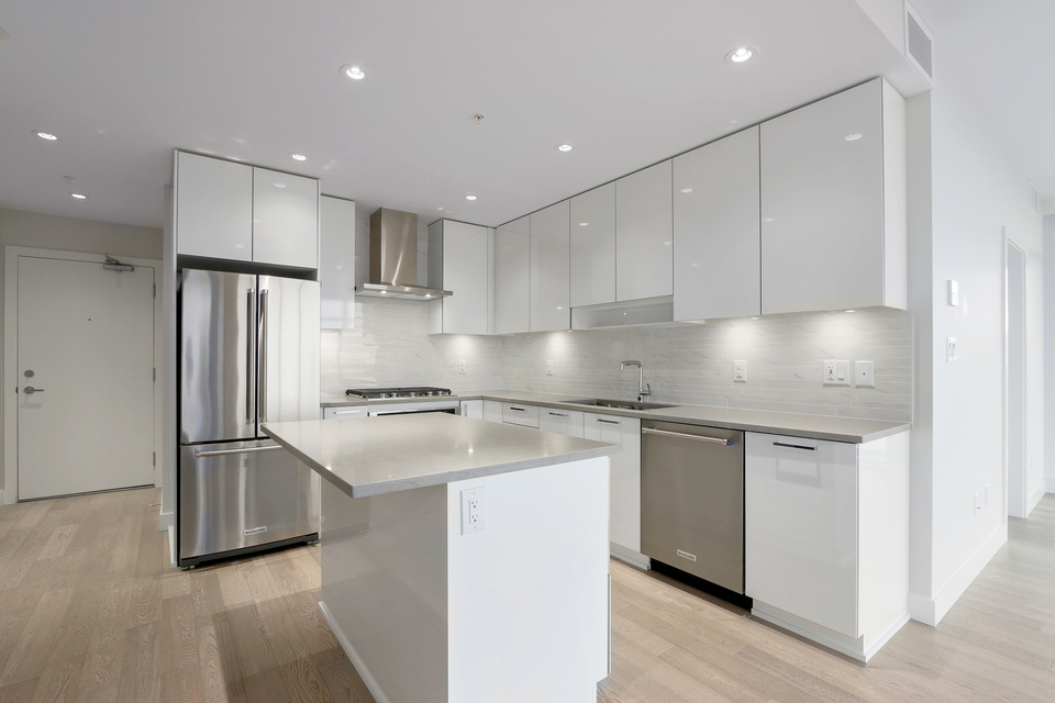 Full sized appliances and kitchen island at 3610 - 1788 Gilmore Avenue, Willingdon Heights, Burnaby North