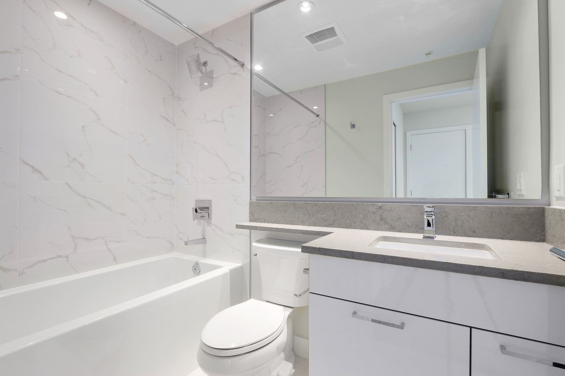 2nd bathroom  at 3610 - 1788 Gilmore Avenue, Willingdon Heights, Burnaby North