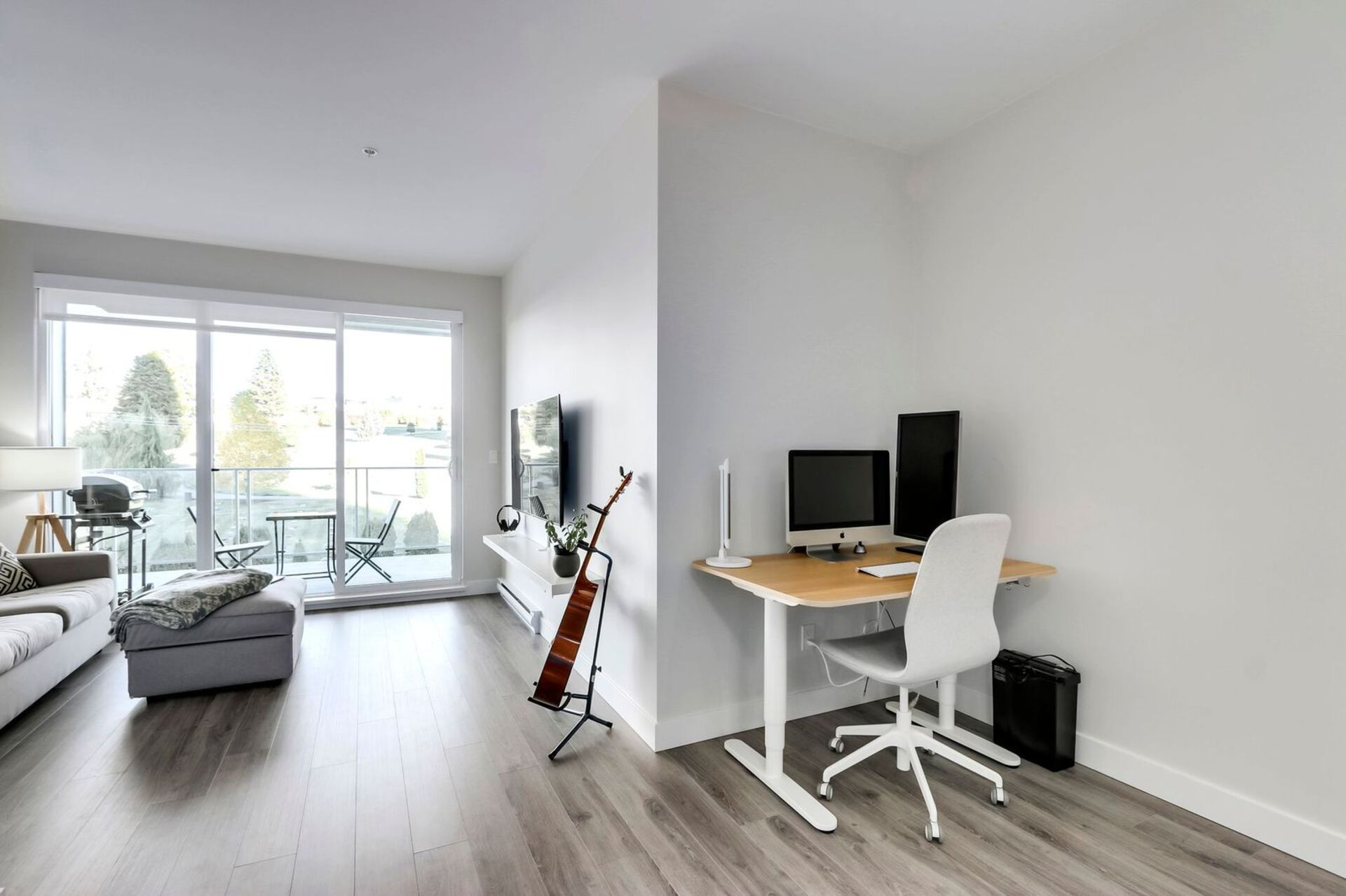 310-escala-hr-dining-looking-north at 310 - 1768 Gilmore Avenue, Brentwood Park, Burnaby North