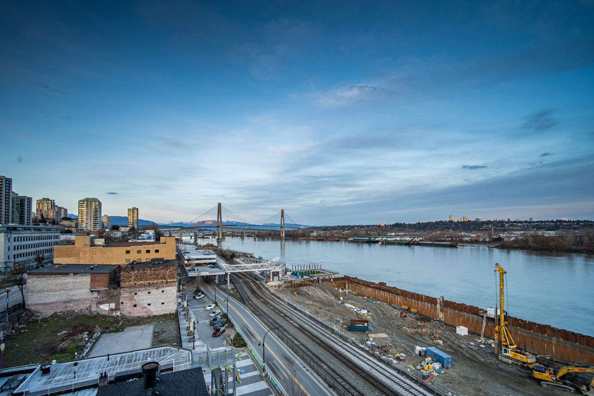 Fraser River Views at 910 - 668 Columbia Street, Quay, New Westminster