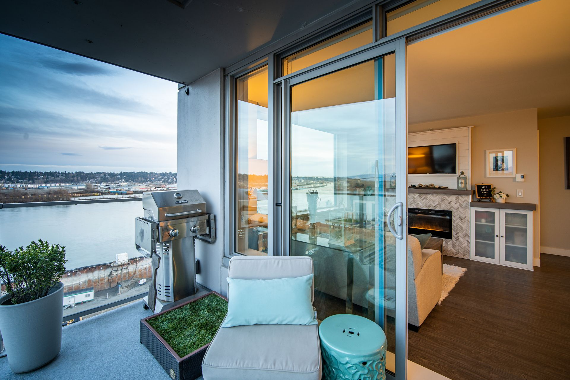 Balcony at 910 - 668 Columbia Street, Quay, New Westminster