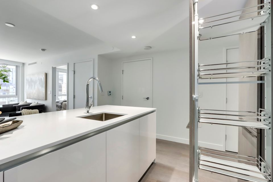 12 at 1211 - 1111 Richards Street, Yaletown, Vancouver West