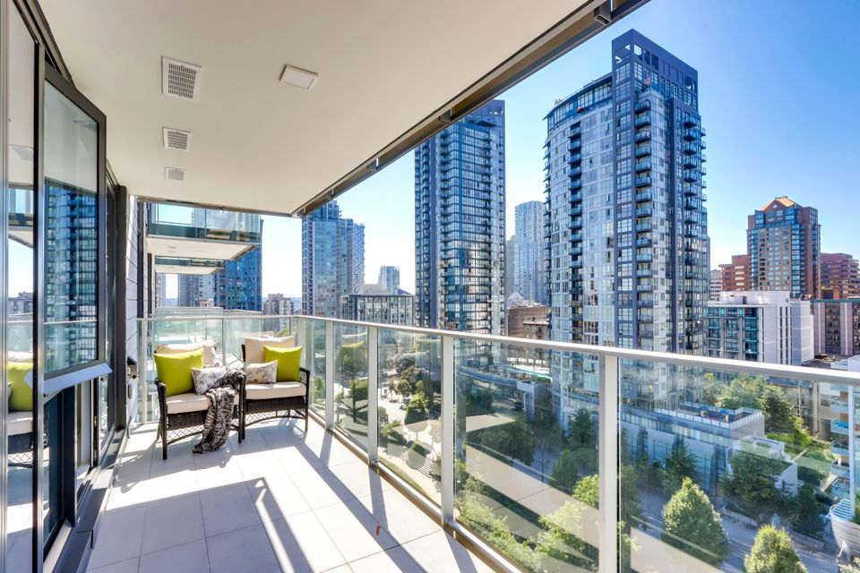 19 at 1211 - 1111 Richards Street, Yaletown, Vancouver West