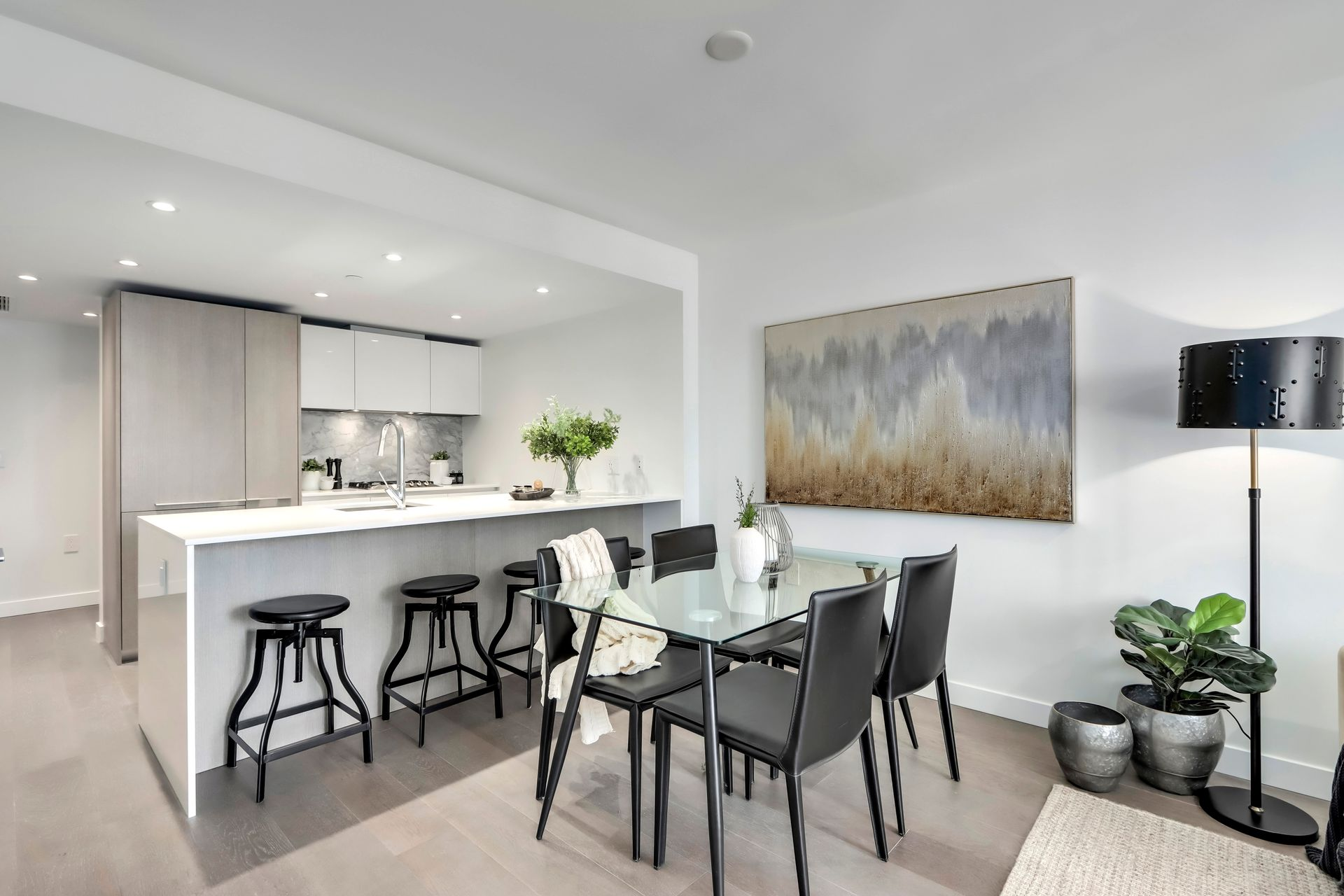 8 at 1211 - 1111 Richards Street, Yaletown, Vancouver West