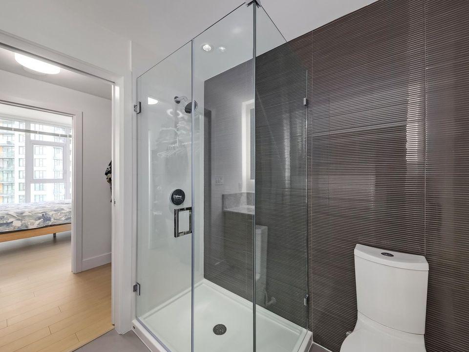 Ensuite Shower at 1605 - 7388 Kingsway, Edmonds BE, Burnaby East