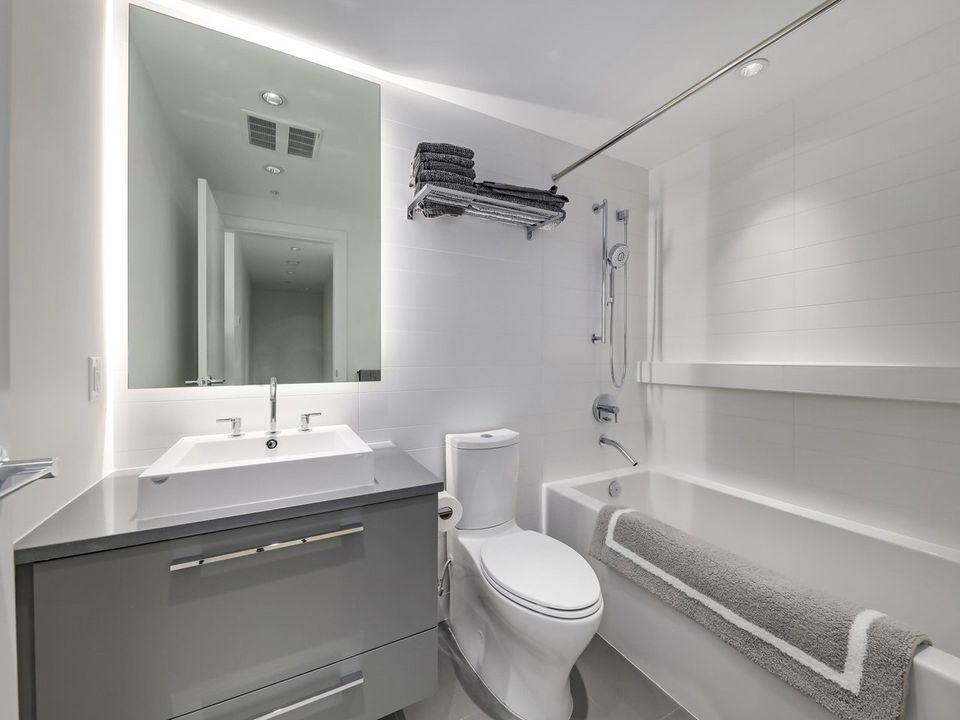 2nd bathroom  at 1605 - 7388 Kingsway, Edmonds BE, Burnaby East