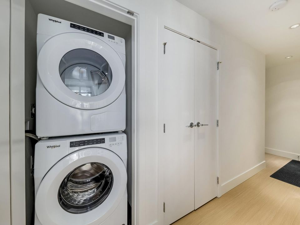 Washer Dryer at 1605 - 7388 Kingsway, Edmonds BE, Burnaby East