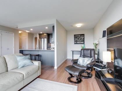 affinity-2-large-den at 2205 - 2232 Douglas Road, Brentwood Park, Burnaby North