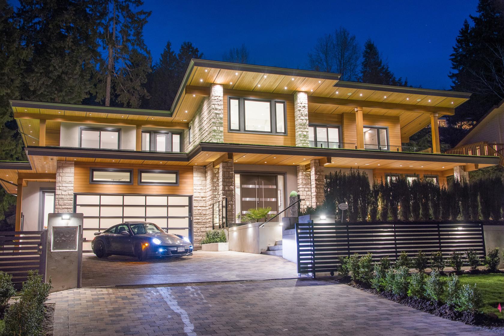 001-1 at 3905 Southridge Avenue, Bayridge, West Vancouver