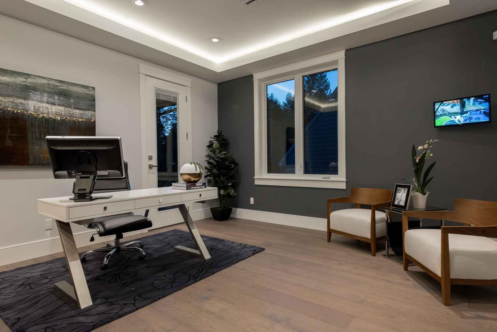 056 at 3905 Southridge Avenue, Bayridge, West Vancouver