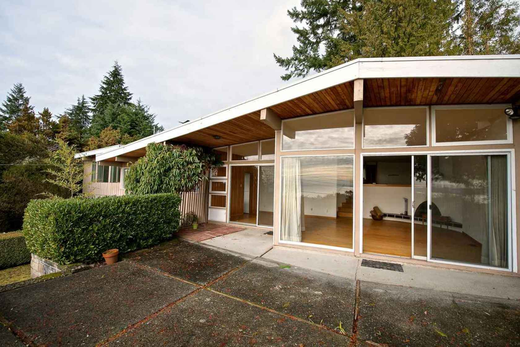 002 at 4135 Burkehll Place, Bayridge, West Vancouver