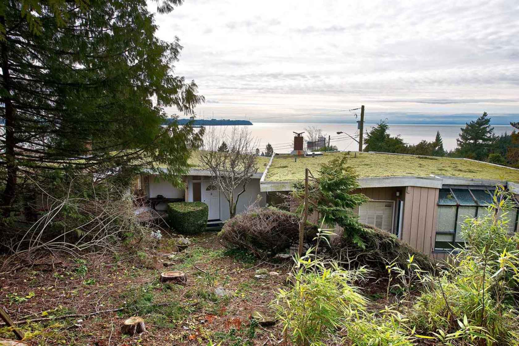 007 at 4135 Burkehll Place, Bayridge, West Vancouver