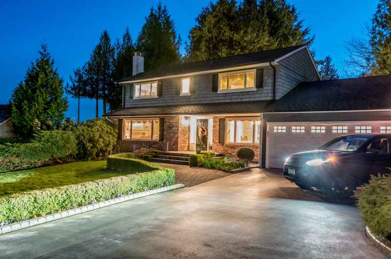 4032 Ripple Road, Bayridge, West Vancouver 2