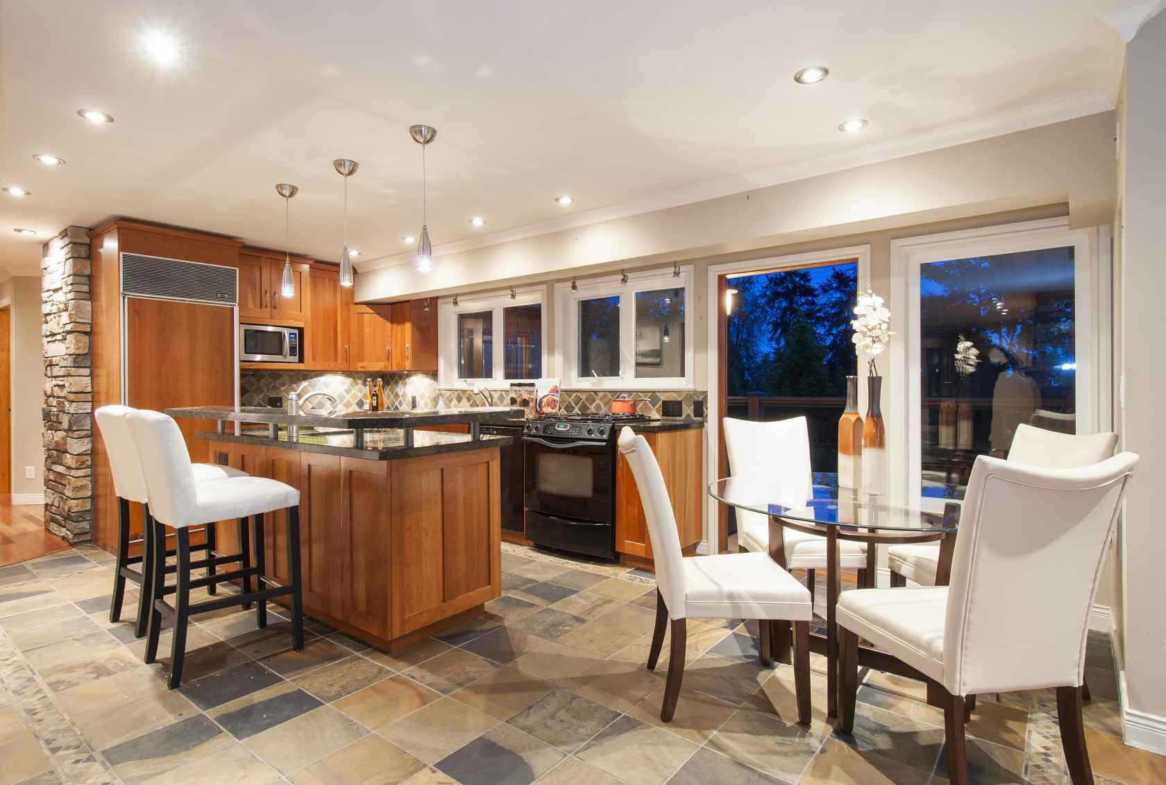 008-2 at 245 E Windsor Road, Upper Lonsdale, North Vancouver