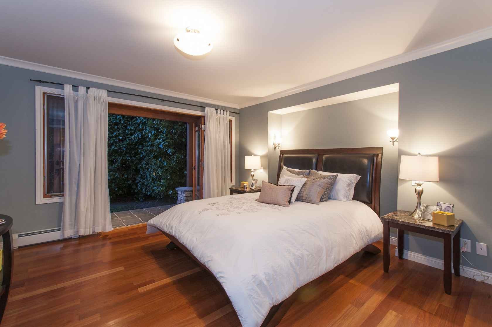025-1 at 245 E Windsor Road, Upper Lonsdale, North Vancouver