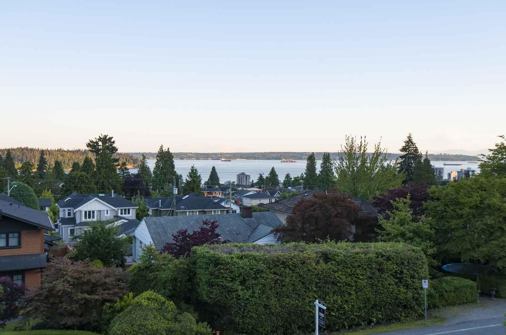 029 at 1117 Lawson Avenue, Ambleside, West Vancouver