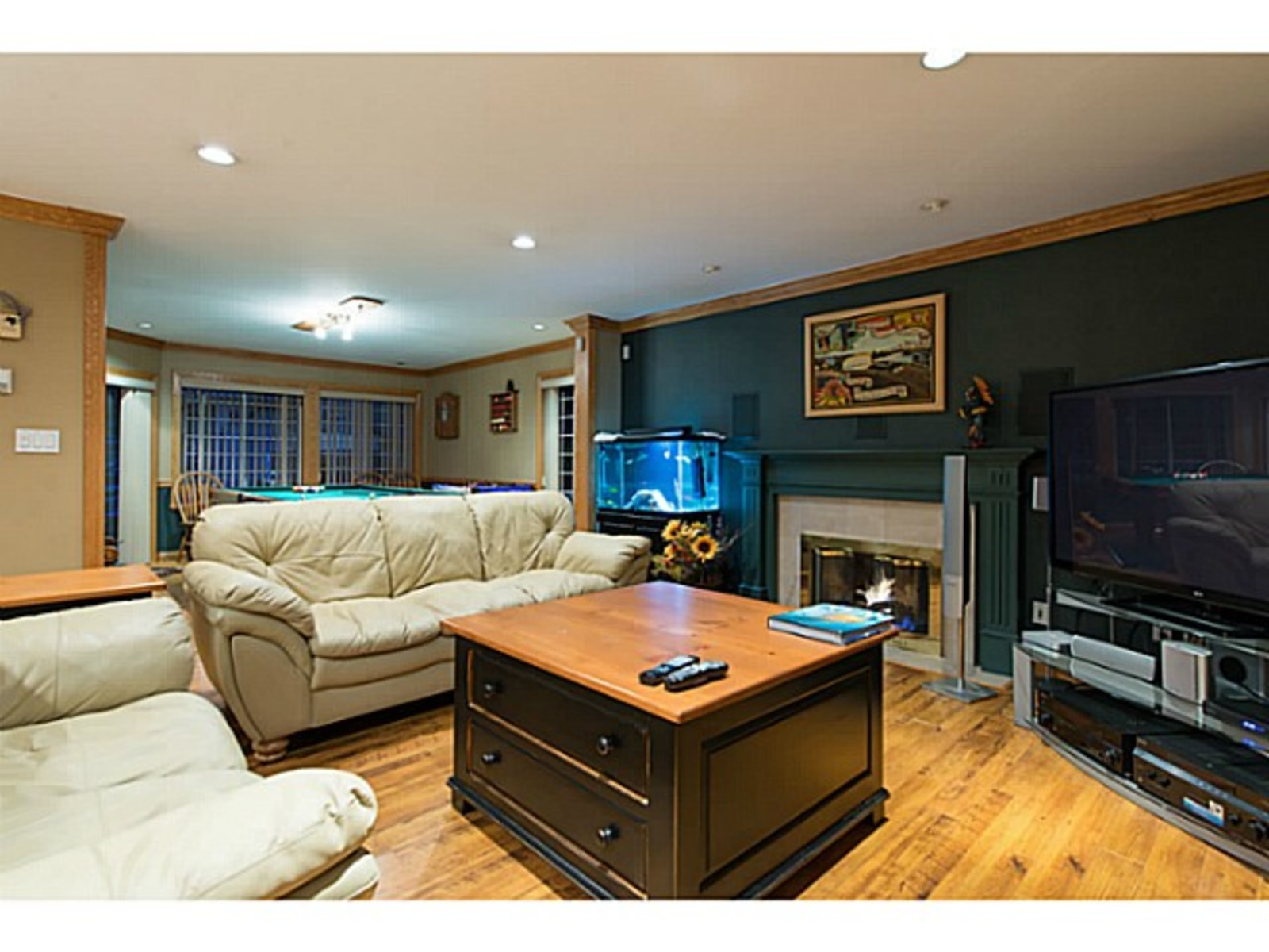 image-260912312-13.jpg at 833 Sprice Ave,