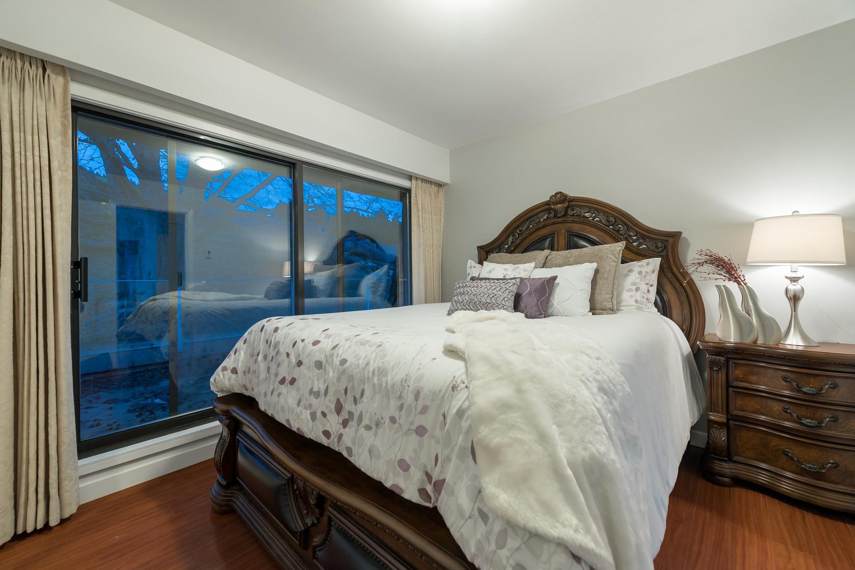 034 at 1055 Elveden Row, British Properties, West Vancouver