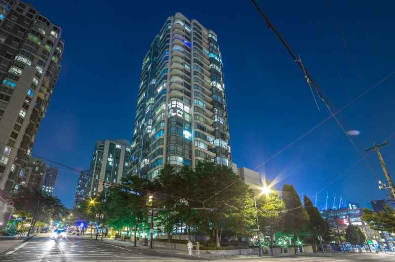 2402 - 888 Hamilton Street, Yaletown, Vancouver West 2