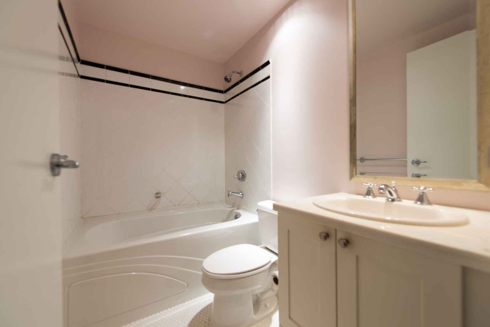 Master Bathroom at 203 - 170 West 1st Street, Lower Lonsdale, North Vancouver