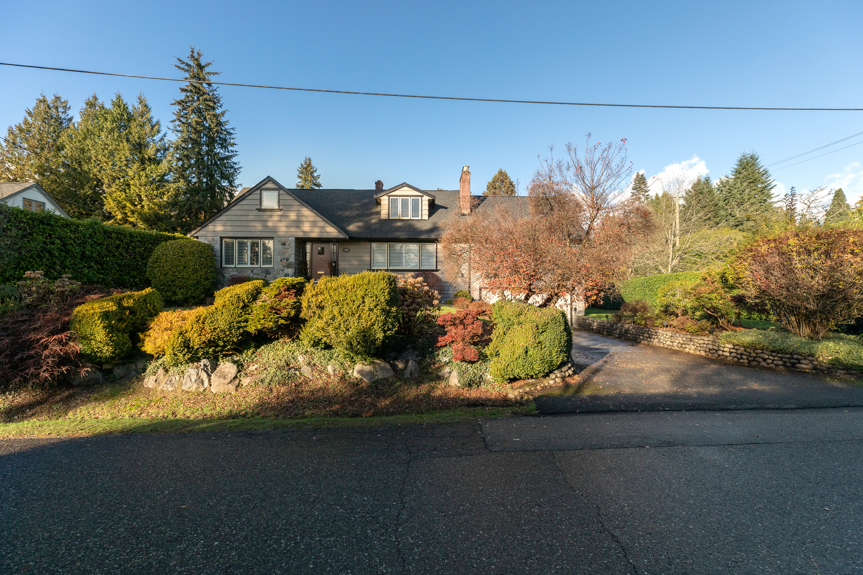 at 609 Duchess Avenue, Park Royal, West Vancouver
