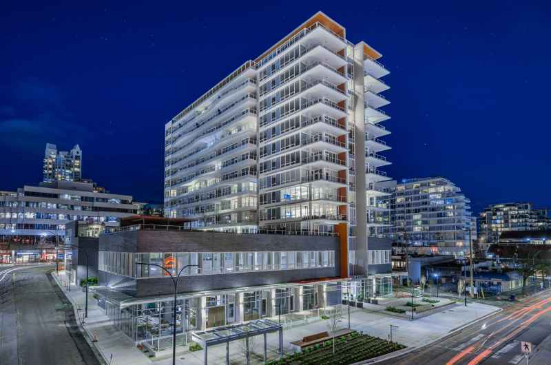 307 - 118 Carrie Cates Court, Lower Lonsdale, North Vancouver 2