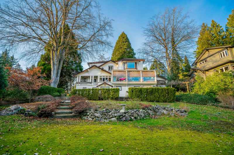 415 E St. James Road, Upper Lonsdale, North Vancouver 4