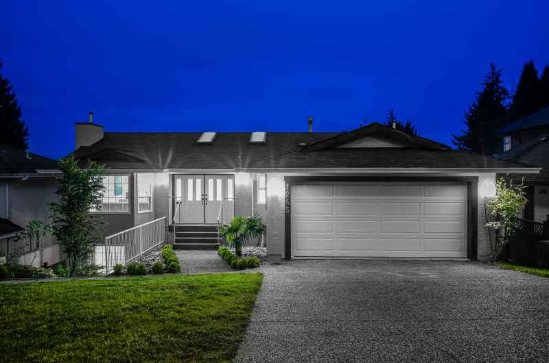 1245 Dyck Road, Lynn Valley, North Vancouver 2