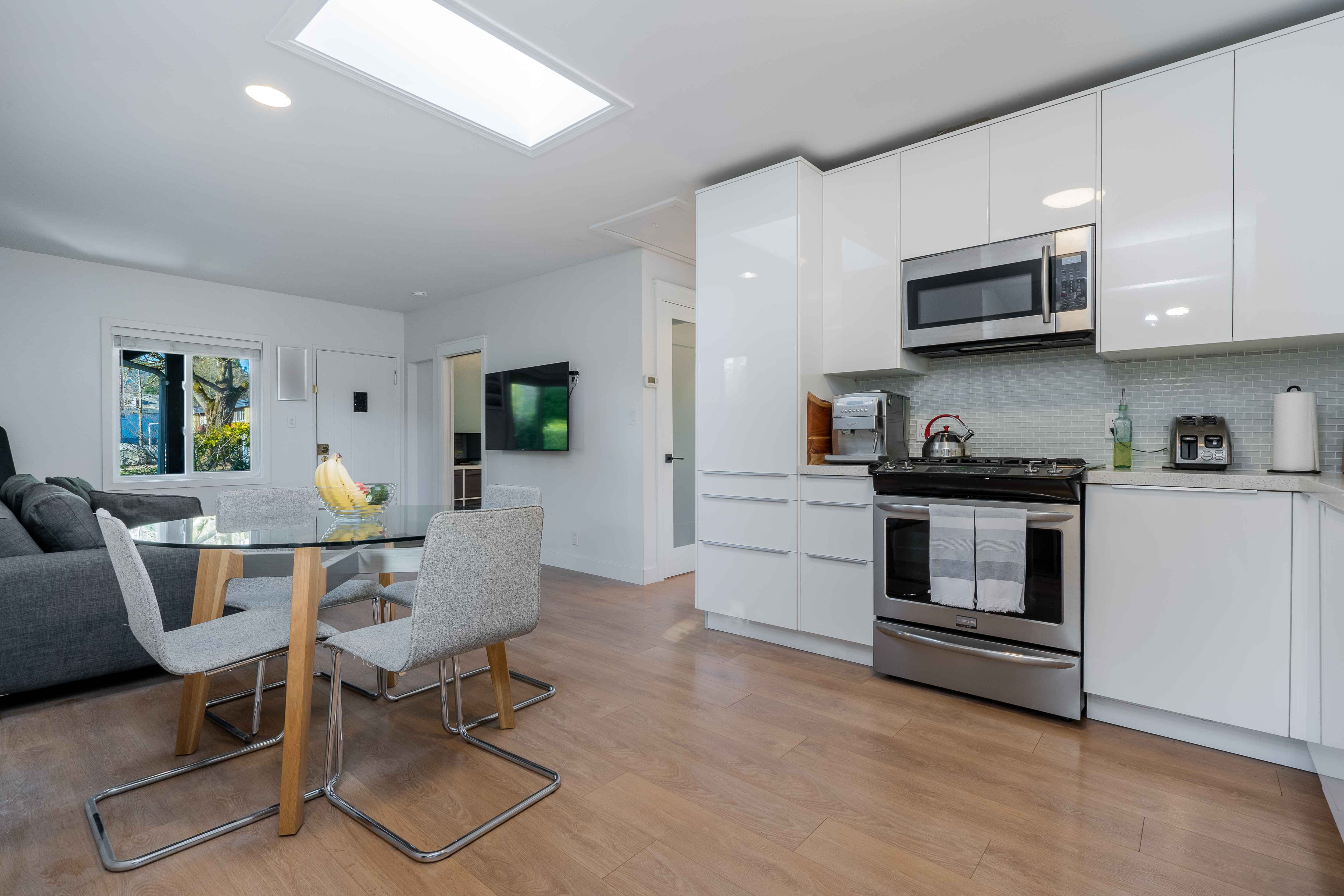 449 E 8th Street, Central Lonsdale, North Vancouver 4