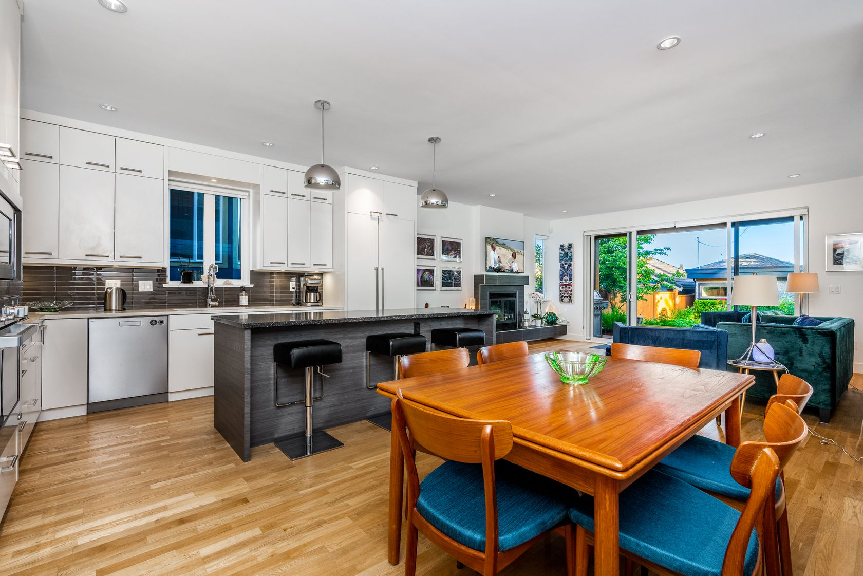 at 725 E 15th Street, Boulevard, North Vancouver
