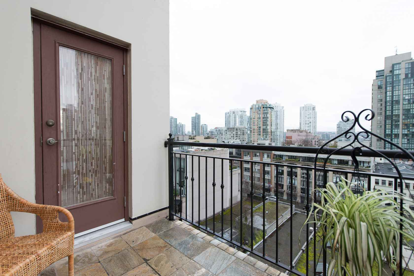 009 at 1001 - 1280 Richards Street, Yaletown, Vancouver West