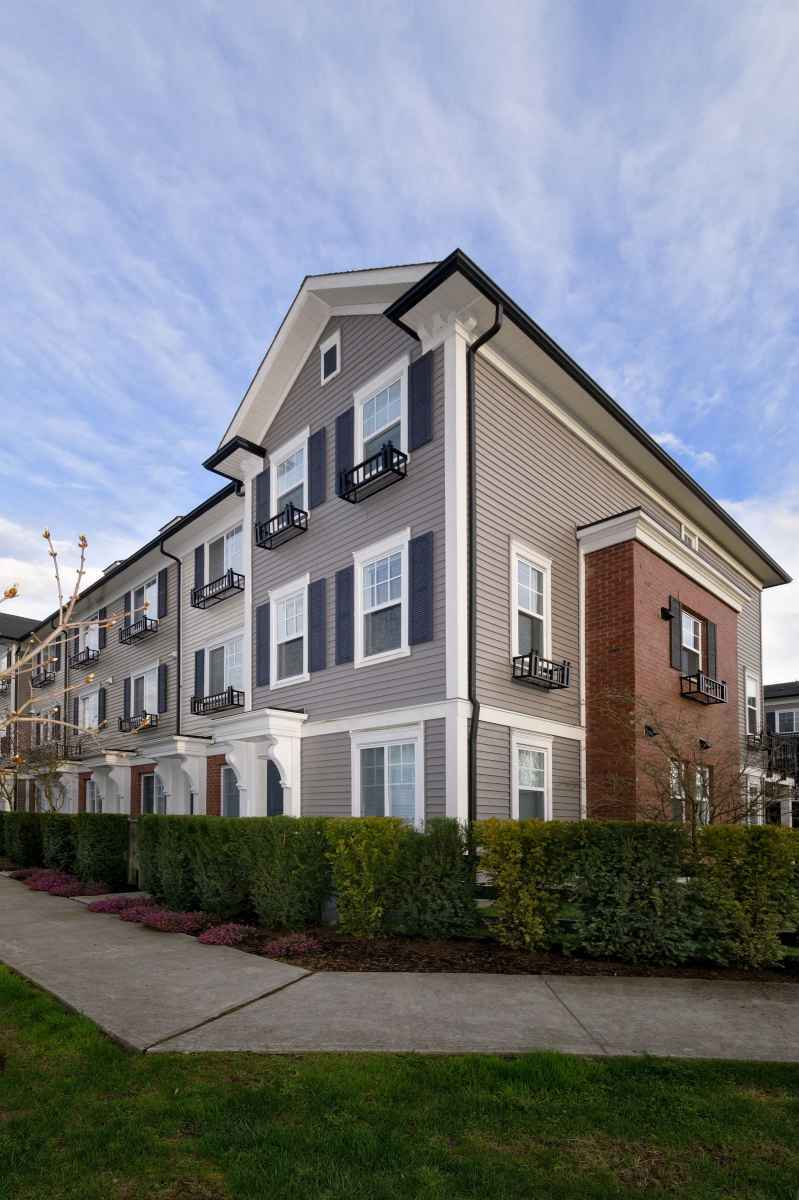 024 at #82 - 7233 189th Street, Clayton, Cloverdale