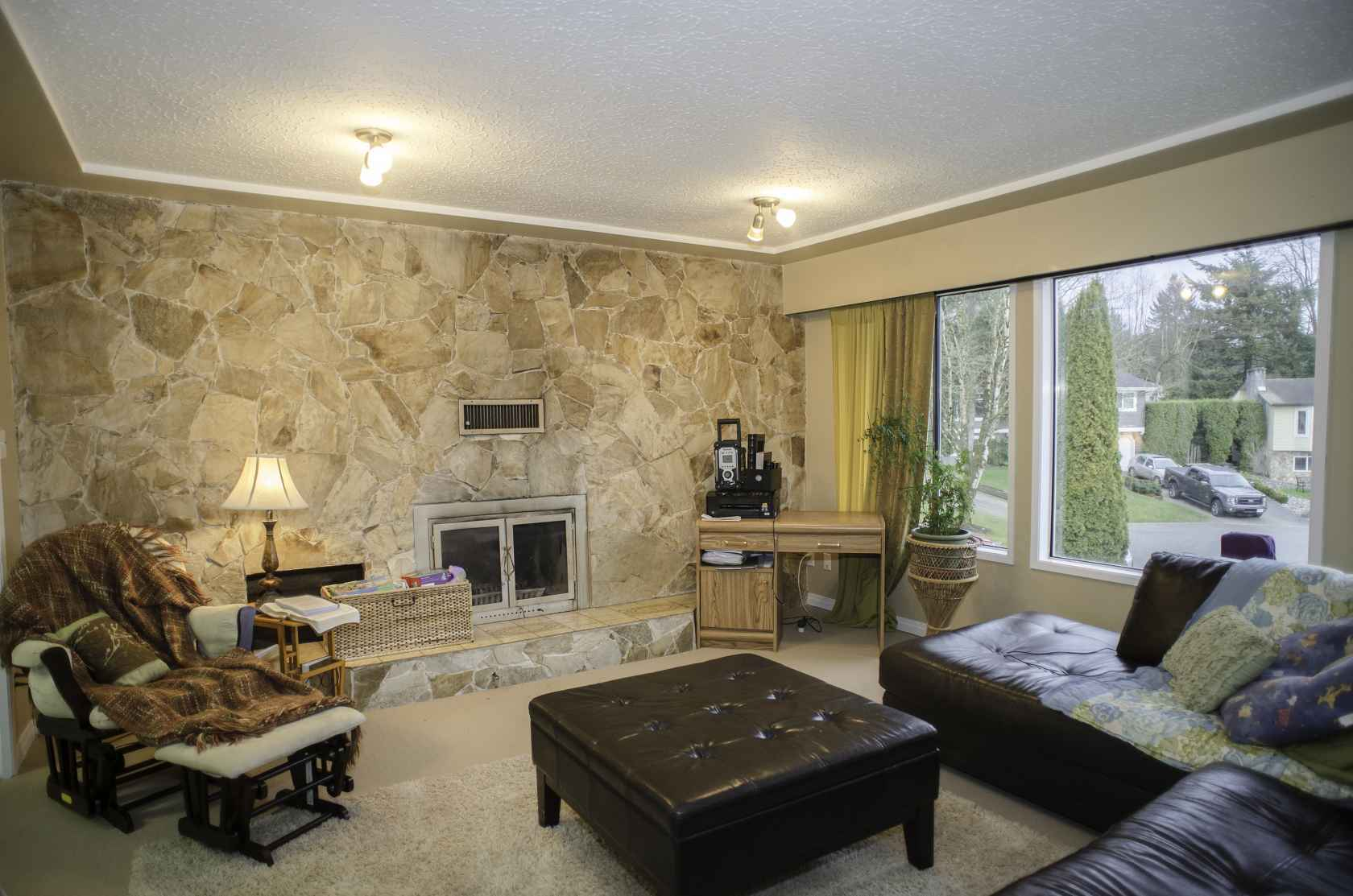 AbbyLivingRoom at 34985 Seneca Court, Abbotsford East, Abbotsford