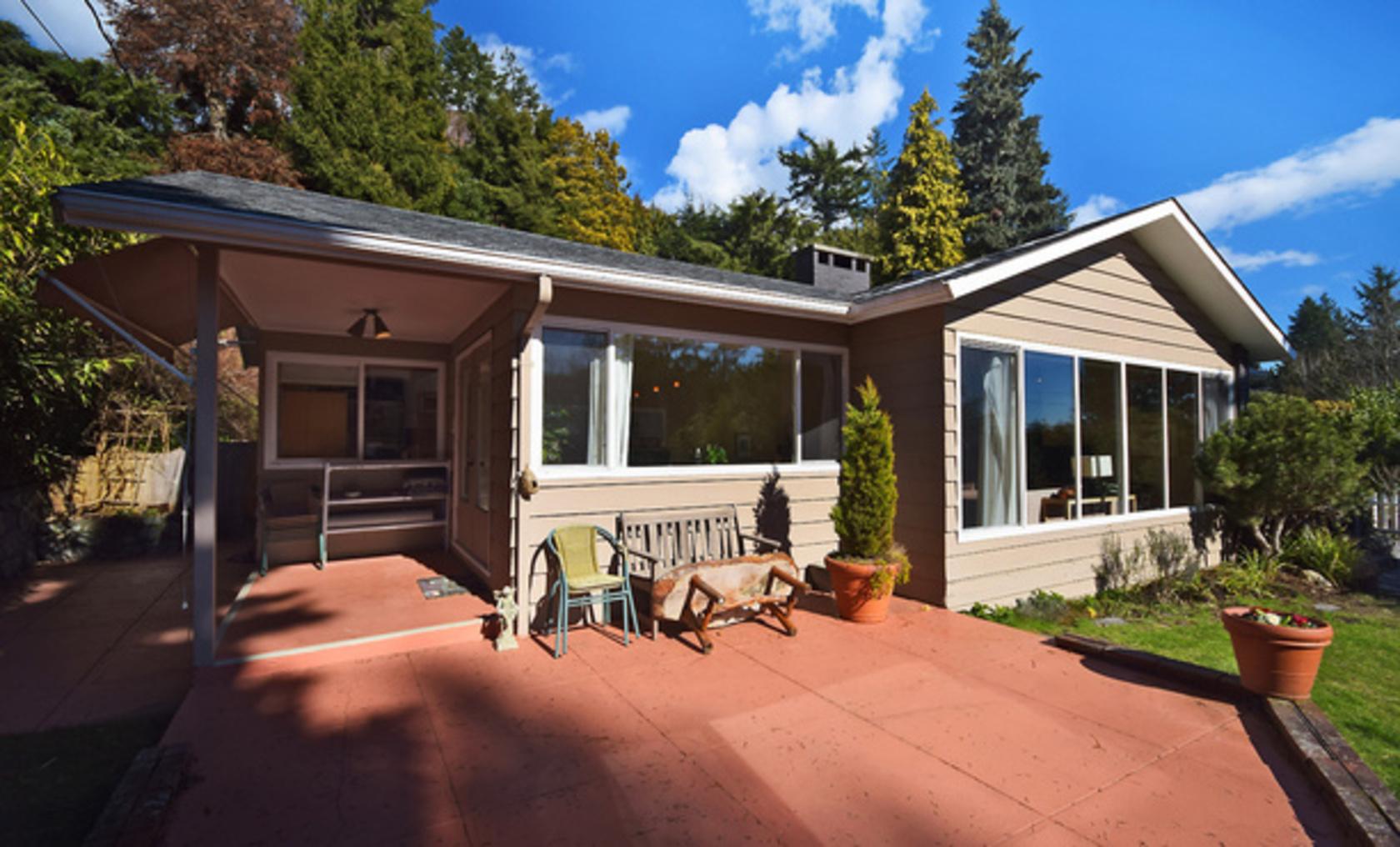 mini02 at 4113 Bayridge Avenue, Bayridge, West Vancouver