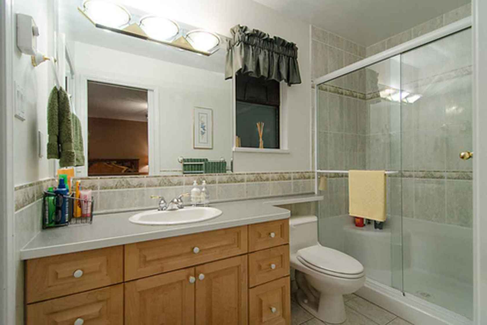 4273 at 3621 Mathers Avenue, Westmount WV, West Vancouver