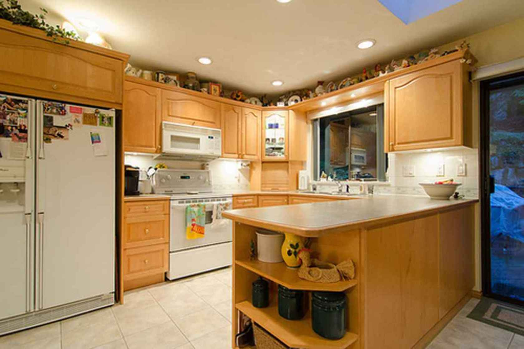 4277 at 3621 Mathers Avenue, Westmount WV, West Vancouver