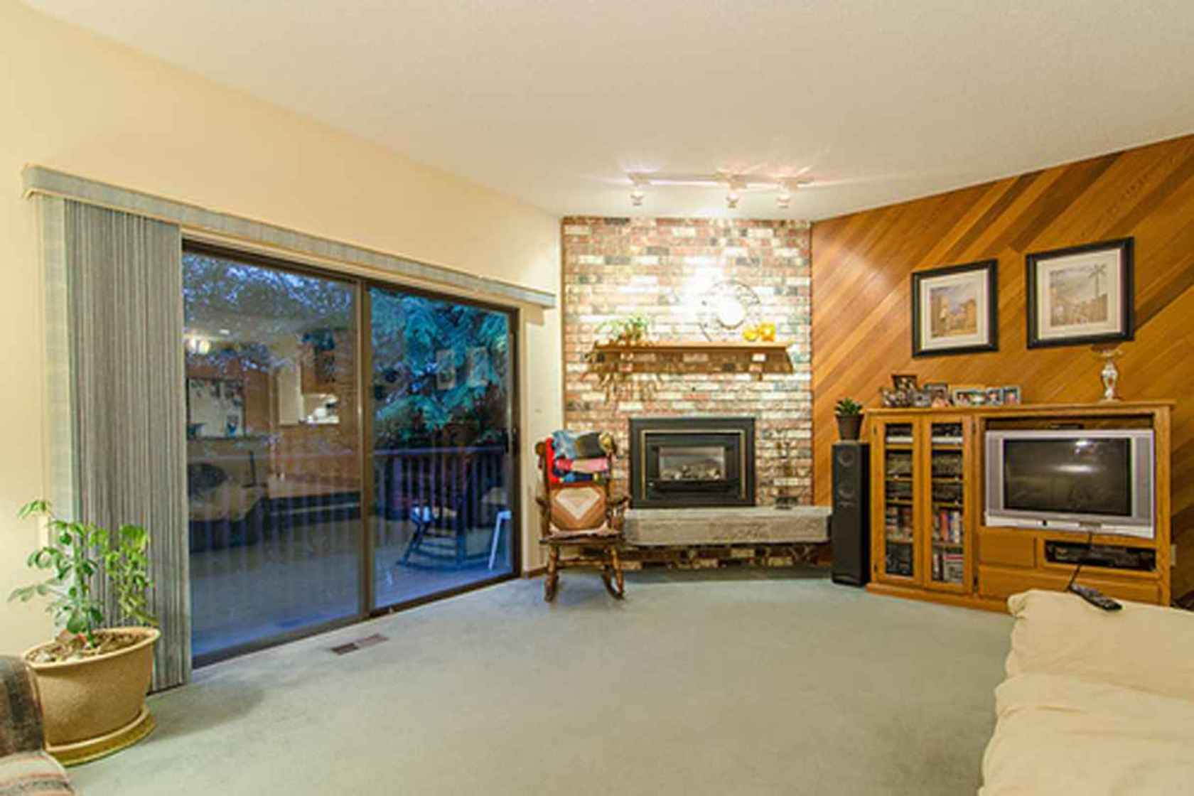 4285 at 3621 Mathers Avenue, Westmount WV, West Vancouver