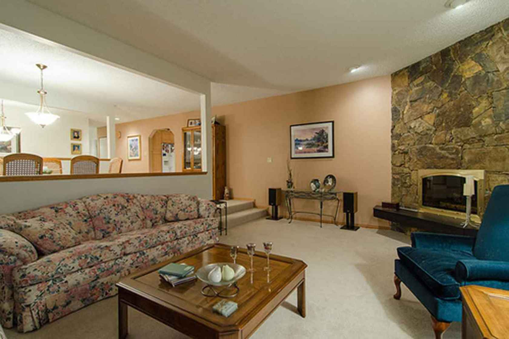 4287 at 3621 Mathers Avenue, Westmount WV, West Vancouver