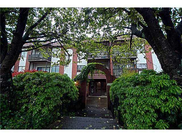 #101 - 225 3rd Street, Lower Lonsdale, North Vancouver 2