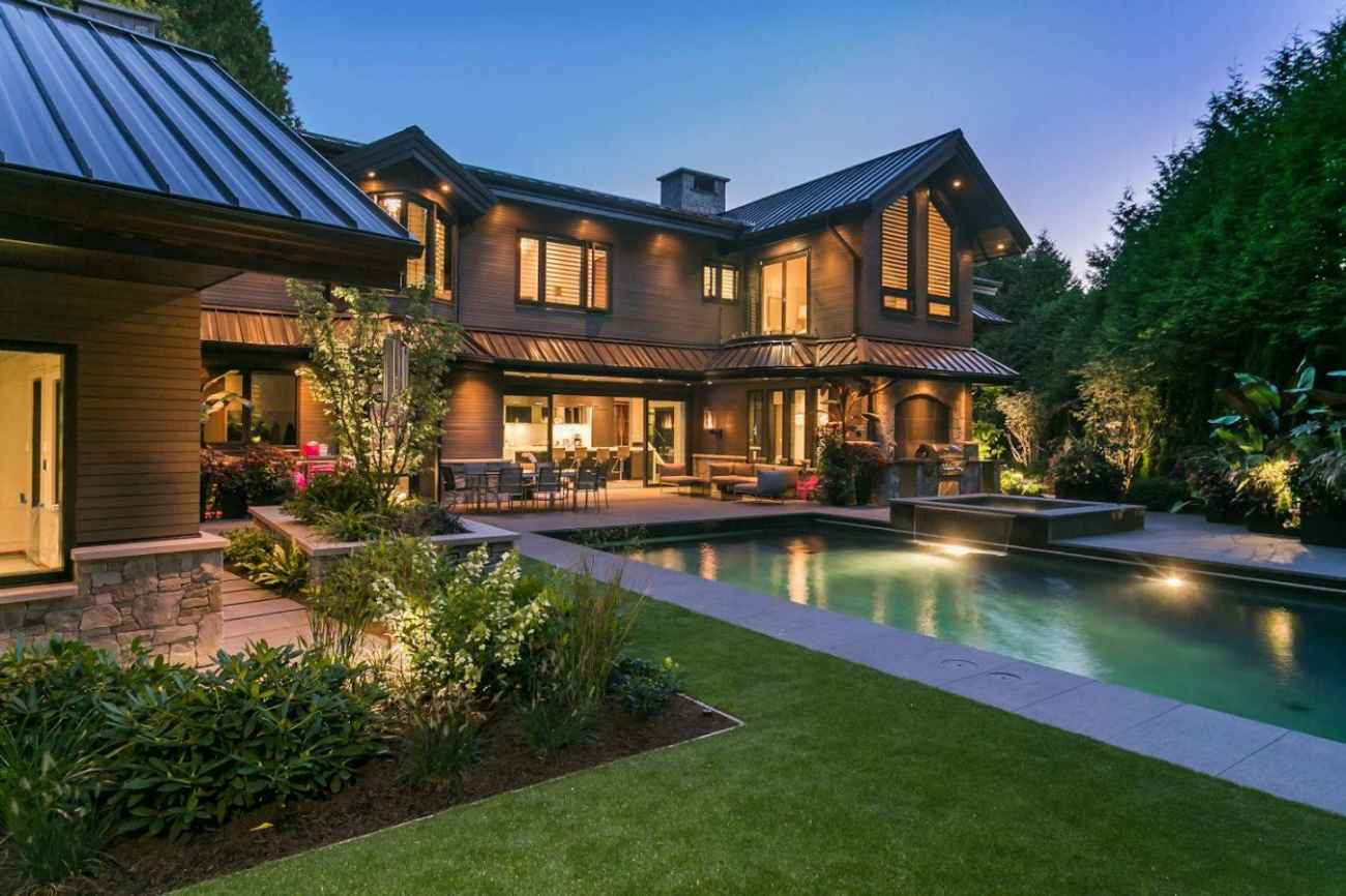 Address Upon Request, Cedardale, West Vancouver 2