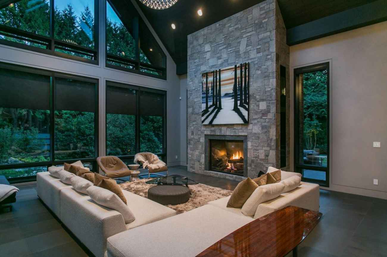 Address Upon Request, Cedardale, West Vancouver 3