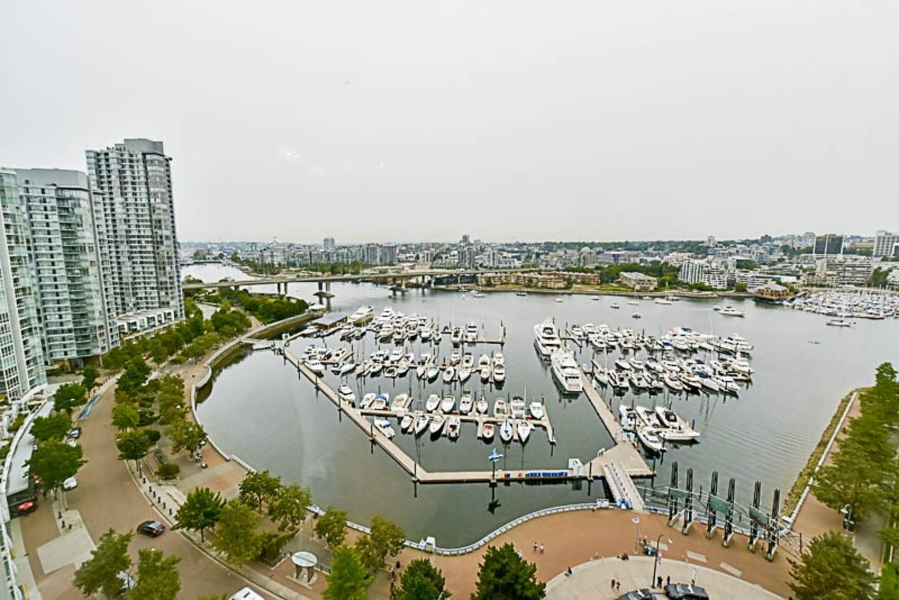 262224434-19 at 2001 - 1199 Marinaside Crescent, Yaletown, Vancouver West